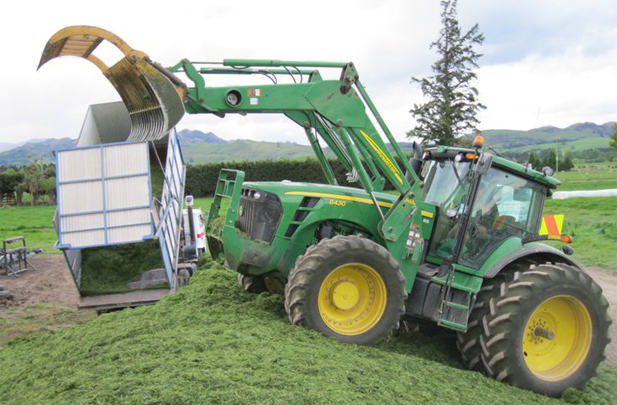 Flintoft Contractors Grass Silage, Stack Tractor