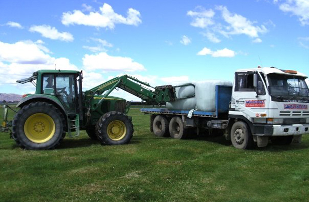 Silage cartage with softhands